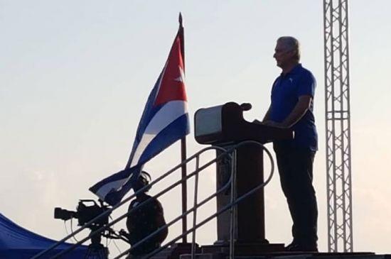 Presidente de Cuba fustiga agitación mediática en las protestas