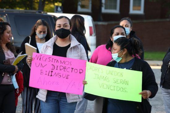 Padres denuncian falta de atención a estudiantes bilingües en escuela