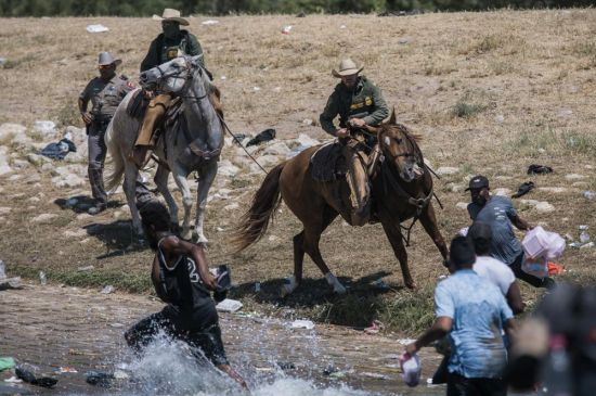Líderes haitianos en Grand Rapids devastados por el trato a los inmigrantes de su país
